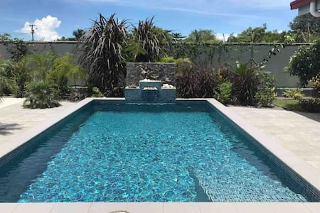 Guest casita with pool, 2 min walk to the beach!