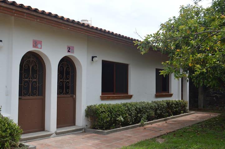 Casa/Bungalow para 4, con alberca y jardines