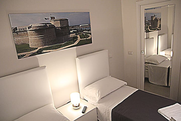 Relax Room with swimming pools - Civitavecchia - Hus