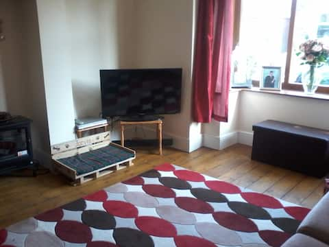 Bright double bedroom, Hillsborough, Sheffield