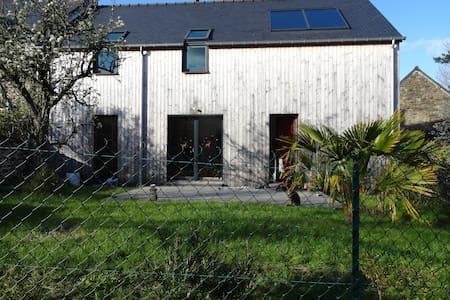 Agréable maison en bois en centre bourg - Plouër-sur-Rance