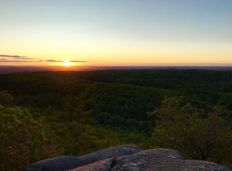 Lever du soleil au sommet du mont King (20 min), le 28 septembre 2017.