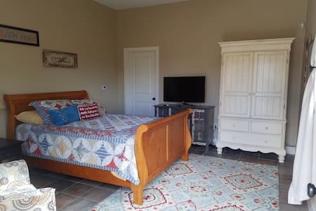 Charming private room in Country Estate - Erie, CO - อีรี่ - เกสต์เฮาส์