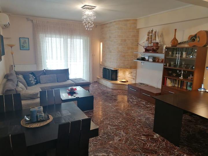 Luxurious sea view-mountain view apartment