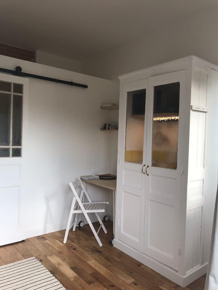 Chambre/studio indépendant proche centre ville
