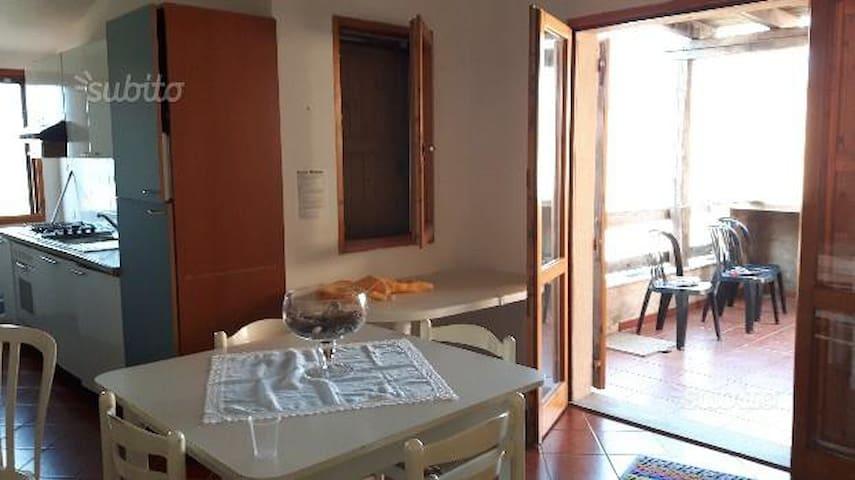 casa vacanze - Arbus - อพาร์ทเมนท์
