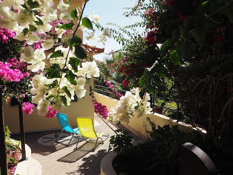 Jardim do Mar,  Sunset Bougainvillea House