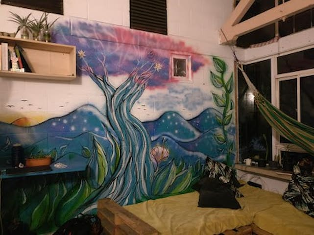 """Big room in the """"Treehouse"""" apartment in Medellín"""