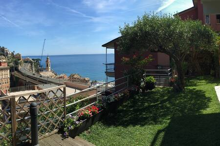 When in Sori... home with garden and sea views
