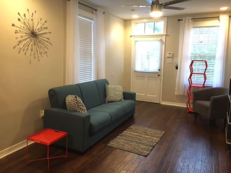 Live like a local in the french quarter apartments for - 2 bedroom apartments in new orleans east ...