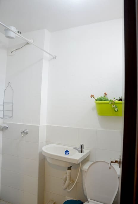 Sample of the Room´s bathroom. All rooms have its own bathroom.
