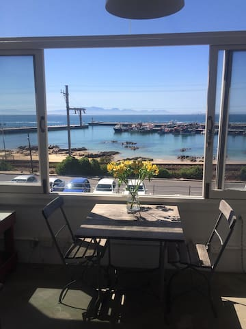 Kalk Bay Harbour View Apartment.
