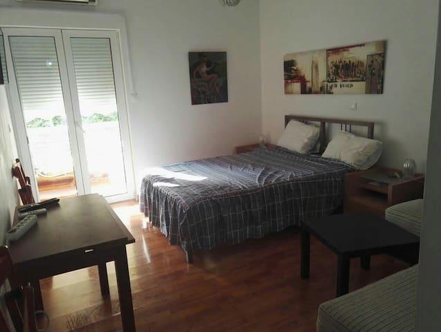 Nancy's  apartment in Loutraki