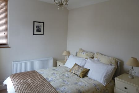 Double room in Victorian house - Windermere - Casa