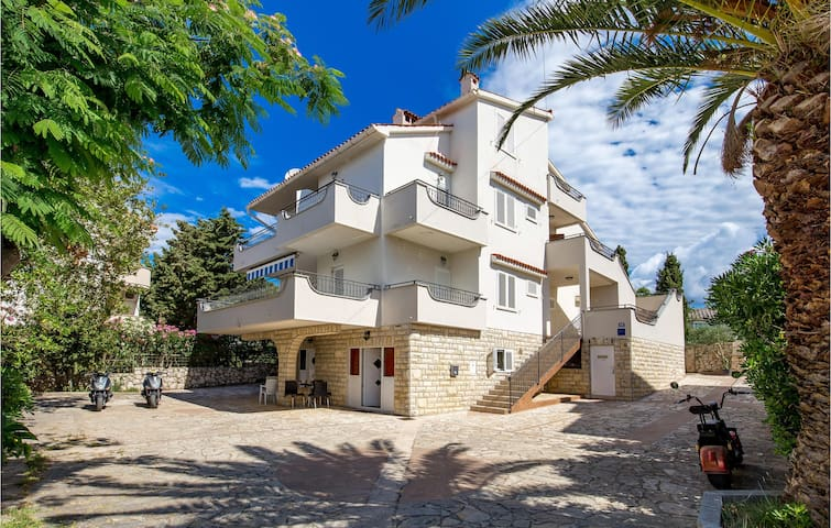 Stunning apartment in Novalja with WiFi and 1 Bedrooms