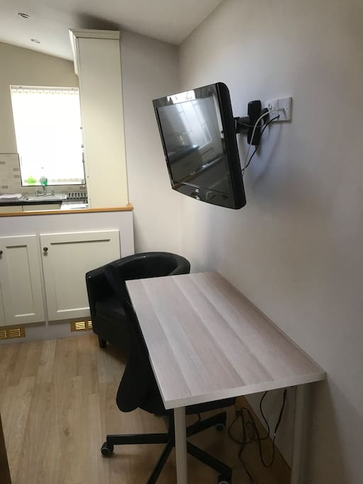 1200mm desk with office chair, Wi-fi available