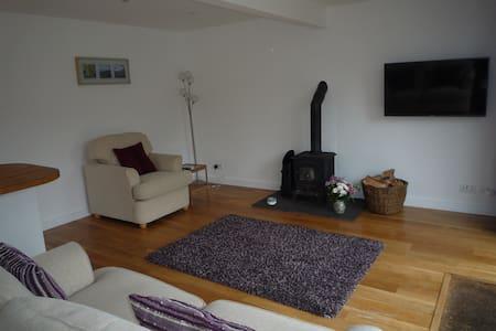 Stunning detached garden apartment. - Nefyn - Apartmen