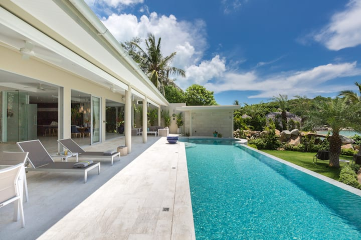 Samui's Most Luxurious 5 Bedroom Private Villa