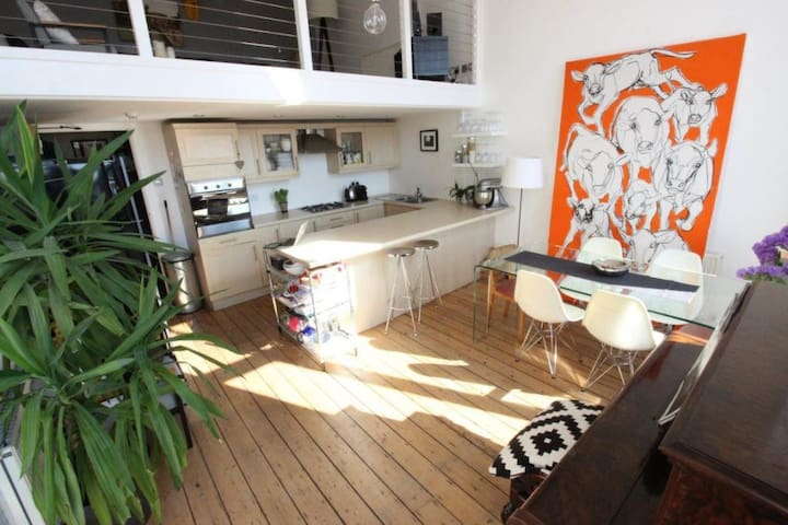 Cool apartment with sea views - Barry - Apartamento