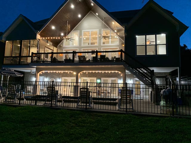 Two Master Suites overlooking Old Hickory Lake