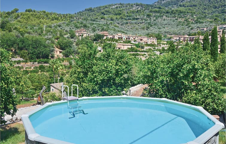 Holiday cottage with 2 bedrooms on 88m² in Fornalutx