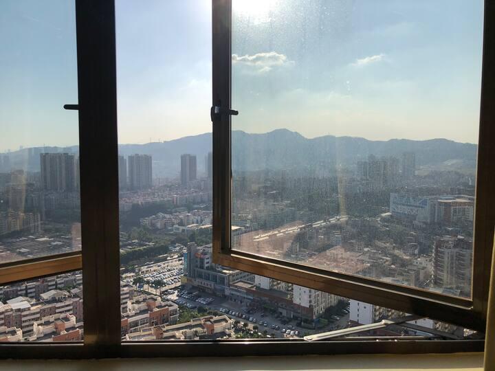 [詹姆斯房东直租]龙岗布吉,25层高层山景房, 视野无遮挡,1.5米大床