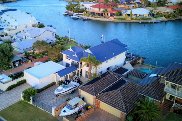 """Eau de Vie"" Canal front home with private jetty"