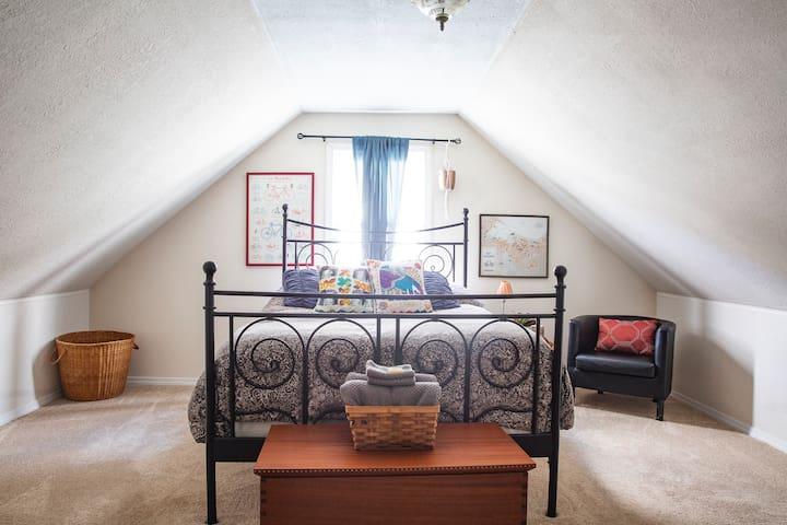 Cozy Kitsap House- Bicycle Room
