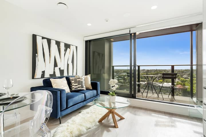 Modern Designed Brand New 1 Bd Apartment with View