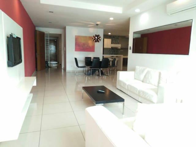 Modern Spacious & Clean Cozy Space - Kuala Lumpur - Apartment