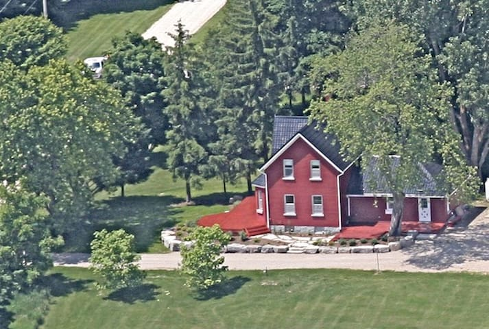 Red Farm House Over Yonder - Meaford - Casa