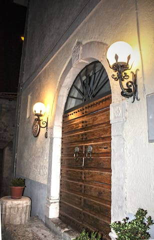 Casa Lago del Salto montagna e lago, 80 km Roma - Poggio San Giovanni di Pescorocchiano - Apartemen