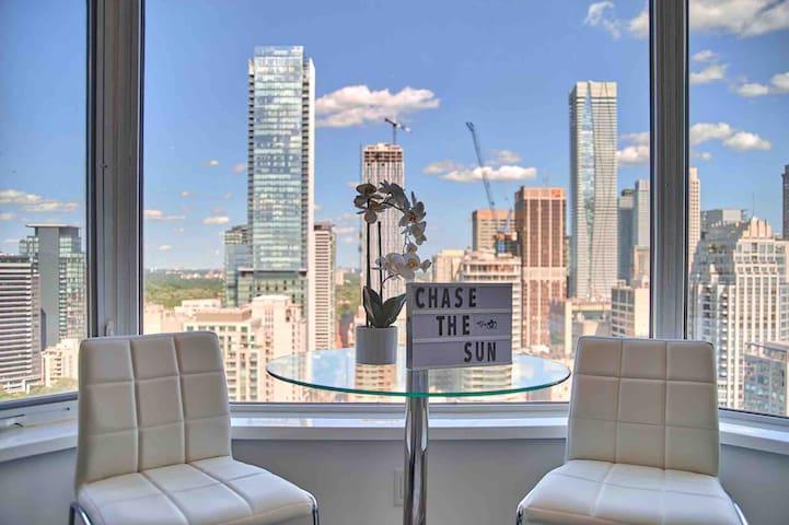 Modern Luxury Hotel Style Toronto