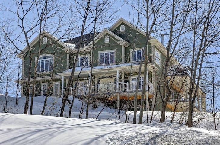 Luxurious Modern Mansion,RiverViews,SPA Year-Round
