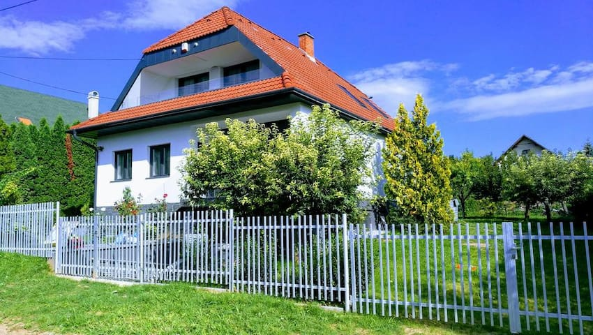 Apartman - Árpád sor - Zánka