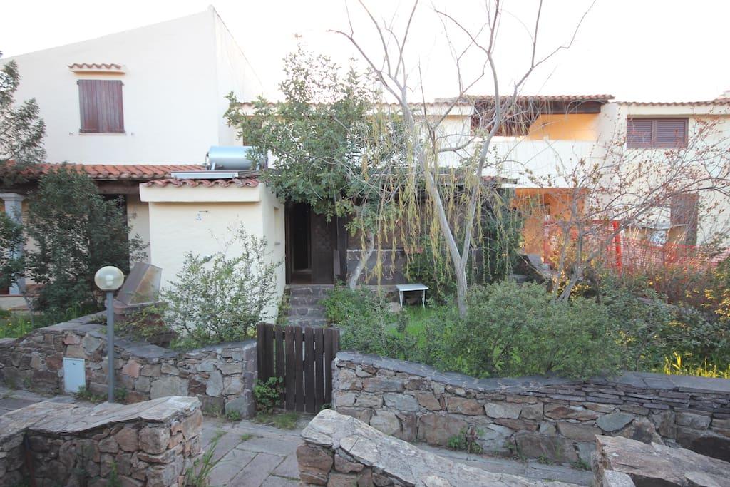 Appartamento giardino barbecue veranda coperta case in for Case in affitto a san teodoro