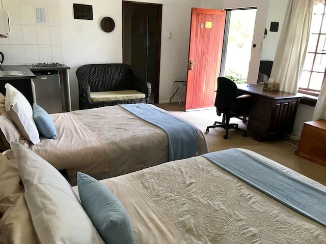 Suite in Kyalami-Midrand-Short term rental