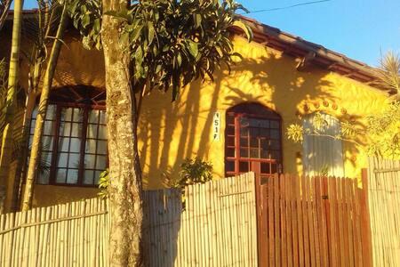 Charmoso Chalé nas montanhas/Atelier Pacha