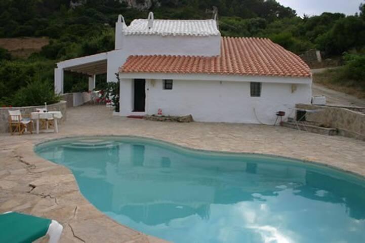 """Villa """"Antiga"""" en finca rústica de 100 ha. - Es Mercadal - Villa"""
