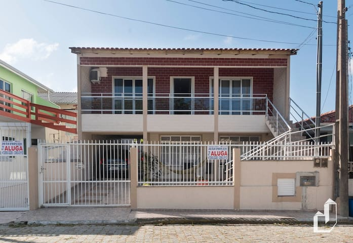 Casa de Cima - 02 dormitórios
