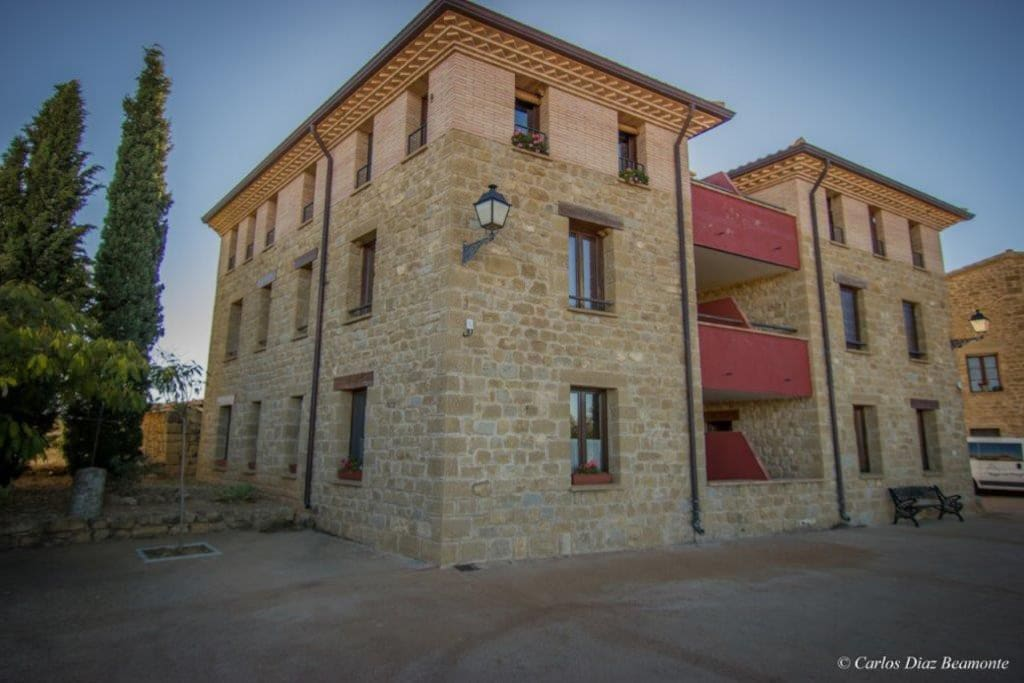 Building / edificio apartamentos