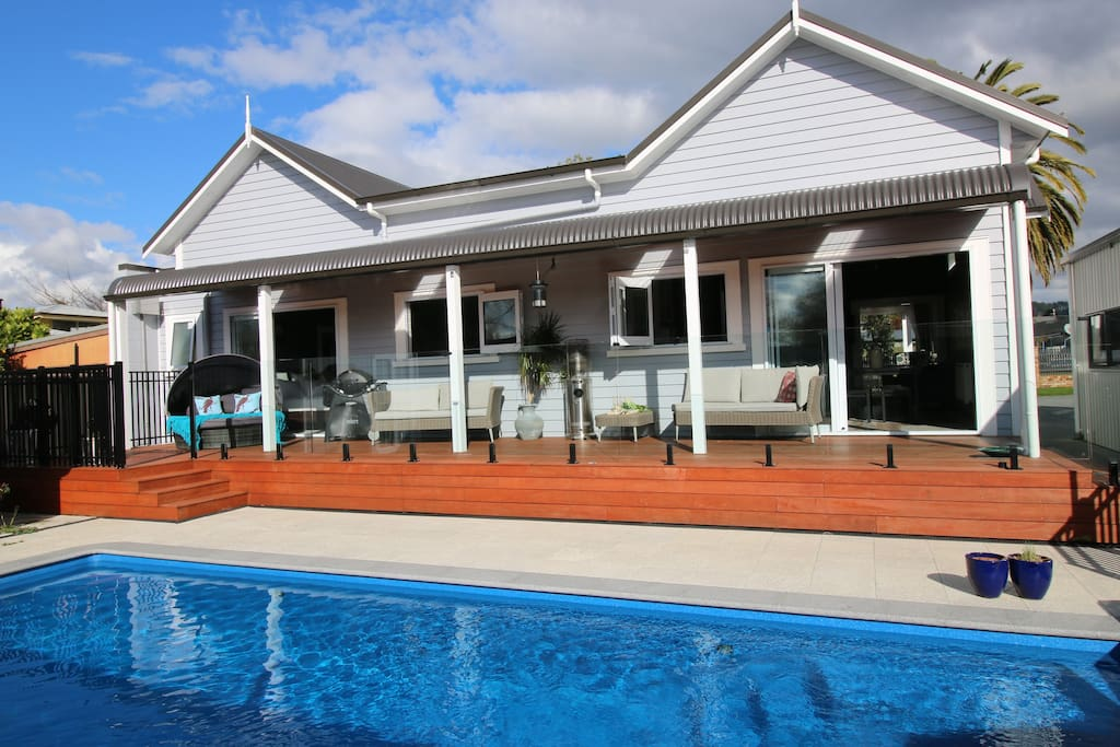 Your own private, Thermally heated swimming pool! 40 c in Winter,  28 c in Summer!