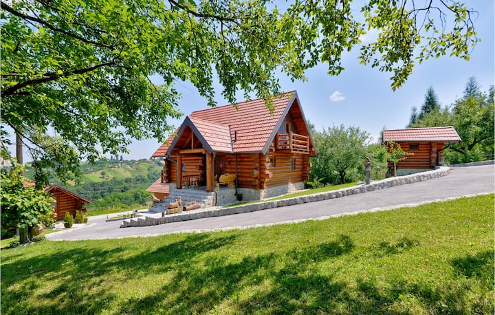 Holiday cottage with 2 bedrooms on 131m² in Varazdinske Toplice