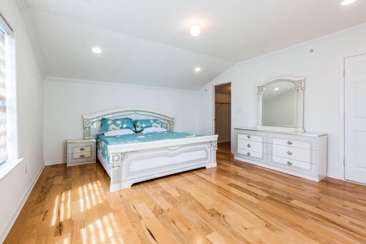 Muster bedroom