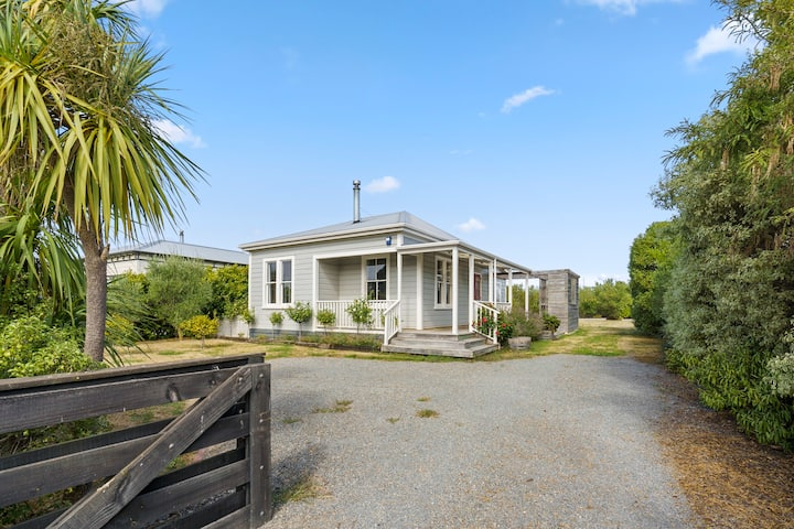 Applecross Cottage - Martinborough