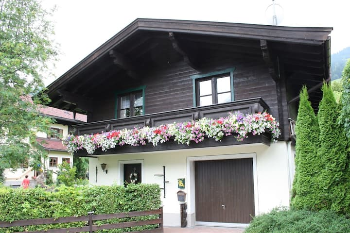 Cozy Chalet in Leogang Salzburg with Garden