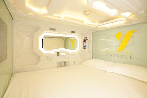 Yellow Capsule Hotel-Close to Airport-2 people