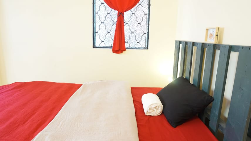 @CBD Dist 1, Quiet, Streetview Room - Ho Chi Minh City - House