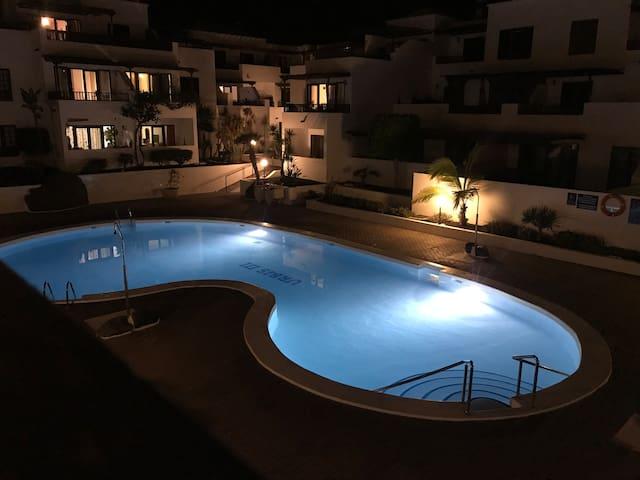 Habitación con vistas, piscina y mar