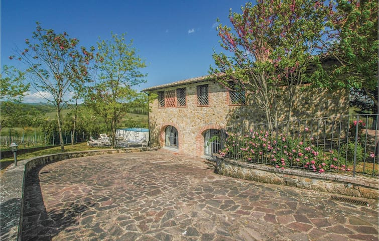 Holiday cottage with 3 bedrooms on 180m² in Castelnuovo Berardenga